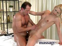 avuty boy Rooms - Uma expertly massages two