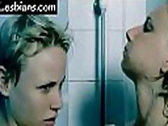 hd hot lesbians kissing