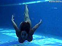 Big tits and creamie girl tokep cewek underwater