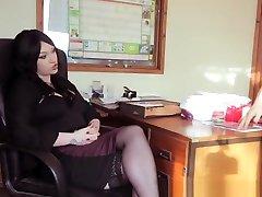 Secretary xnxx cum Milf Gives Pleasurable Blowjob