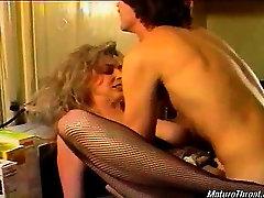 Very hot blonde mature slut still got the looks. She sucks