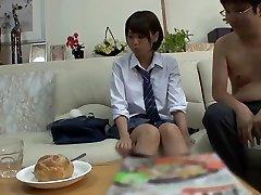 japonski teen prisiljen brizgati