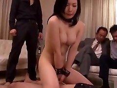 esposa japonesa forzada por su jefe completo: bit.ly2vqvluh