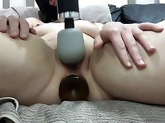 Rogue cumming while plugged with plump pumpingmail wand