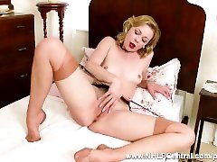 Blonde babe Lucy Lauren wanks in vintage fully fashioned nylons and garters
