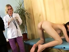 Teen babe and 2 kinky gynecologists
