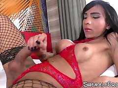 Tbabe Izabelle masturbating anal play in fishnets solo