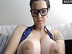 milžinišką masinio gamtos boobs