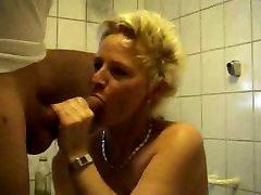 Mature woman fucking in bathroom