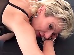 Adulterous British ado webcam3 Lady Sonia Shows Off Her Massive N