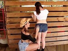 sexy teen natural tits ranch afäär