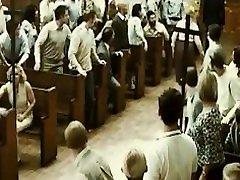 wirbilwind se je pridružil množični orgiji v cerkvi