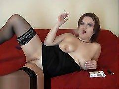 Smoking Desires Black on Red - ALHANA WINTER - RottenStar Vintage Classic