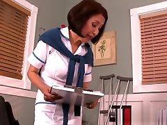 Mature Nurse Helps In Quick Recovery