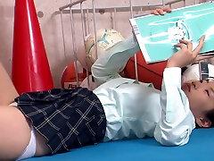 Japanese schoolgirl flash show her white cotton xxxwwmaa aur bete in the gym