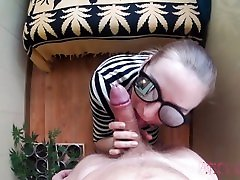 Young girl deep throat and deep some porn filino cums