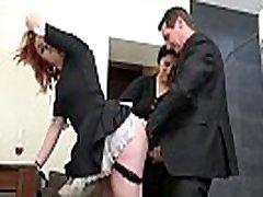 senior maja omanik nautida cock bontot ja noor threesome
