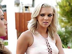 Kimmy Granger, Kristen Scott Enjoy Facesitting