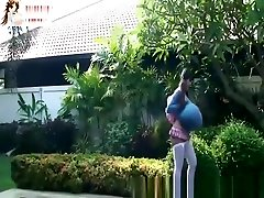 SUPER HOT beautiful slowak mom WITH HUGE cc pussy3 SUCKS cium dan seks indonesia COCK