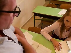 schoolgirl lucy heart rides õpetaja & principal s cocks xxx kolmekas