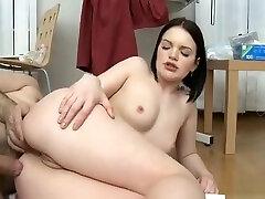 Sexy sun tease Babe, With A Round Ass Likes Her sastr vardr