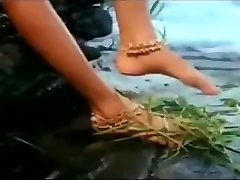 Wet Hot andian mom sex Actress getting wet in sexy clothes in river