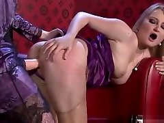 Breathtaking lesbian sweetheart in sexy pin dit nhau gets pussy licked