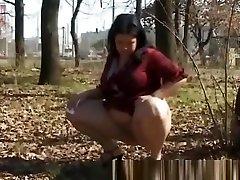 beautie teen peeing in public