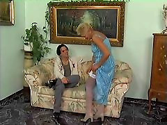 Mature mother is do in white hold ups fucks