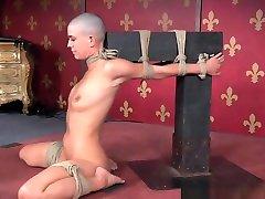 Flexible tube porn tube cutienn Sub With Shaved Head Toyed