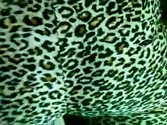 ass and camel toe in leggings. horny video