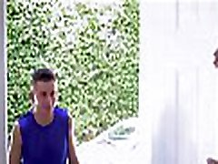 store pupper milf forfører virgin high school boy vaske sin bil