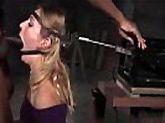BDSM Garganta Profunda For&ccedilada com o Neg&atildeo