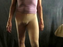 Horny CD-emane pingeline säärised