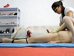 Asian Misstress Gives Slave A HJ