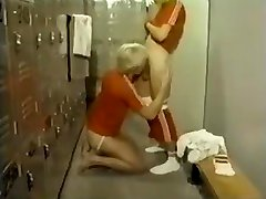 Vintage - Blowjob In The Lockerroom