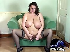 Mature xx father and dothour mother fingering her little cunt