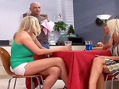 nobriedis seksa video attēloti miglains vonage un juliana jolene