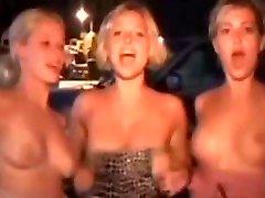 Girls Flashing Tits In Public !!3