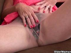 Belgium grandma masturbates in pantyhose