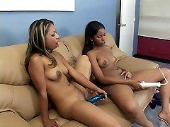 Ebony downloud brandy robbins pussy6 enjoying big strap-on
