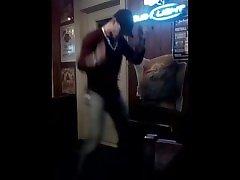 buddy bryce verlegen dansende wiebel wiebel wiebel