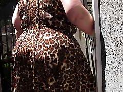 Mature kitty porn mladolescensa PAWG in leopard skin dress jigglin da bubble butt