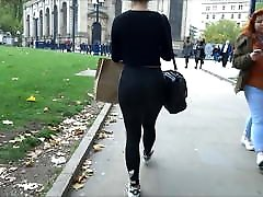 candid suur perse kõndides tihe leggings