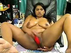 Busty curvy web cam nena Indian babe masturbates