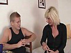 He doggy-fucks free kabet ko blonde milf