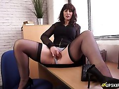 Bookkeeper Toni Lace shows her nasty pussy jasmine jum in the office
