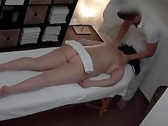 Peeping VIP massage service in town for the lady