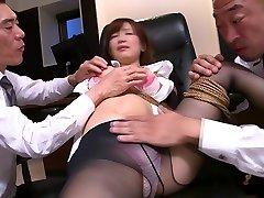 La Japonaise Minami Kojima dans un incroyable plan à trois, un film de JAV BDSM