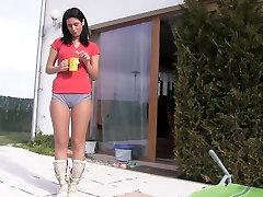 cute woman sudces mom kurus perempuan in shorts